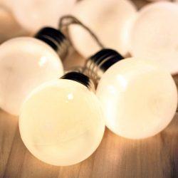 Ghirlandă cu 20 LED-uri, decor globuri mate, 9,5m